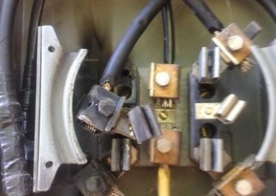 damaged-meter-base-blown-up-loose-wiring