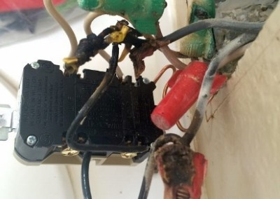 damaged-wiring-repair-incorrect-aluminum-splice