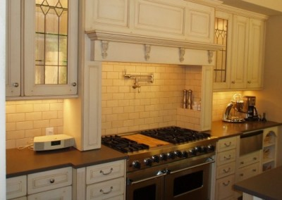 denver-kitchen-remodel-lighting-in-cabinet